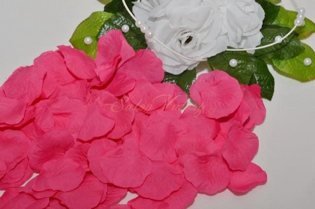 Okvětní plátky růží - fuchsiová