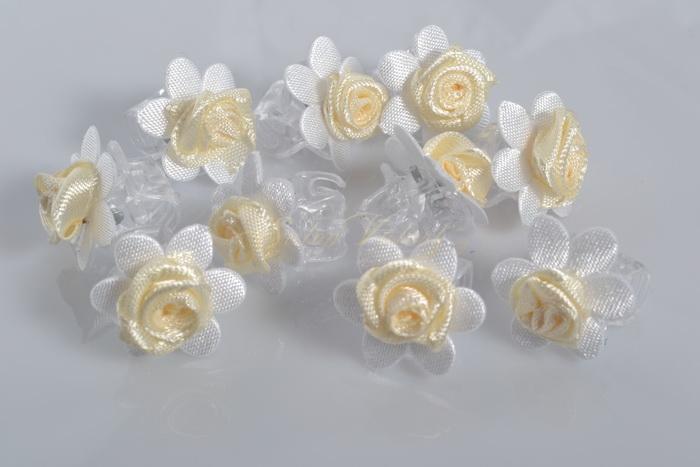 Skřipec s květinkou a růžičkou 10 ks - krémový