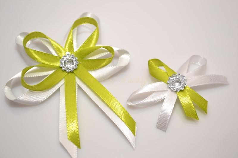 Svatební vývazek s broží - světle zelené