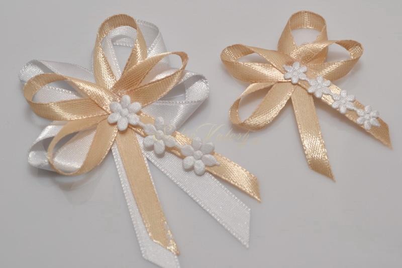 Svatební vývazky s květinkami - zlaté