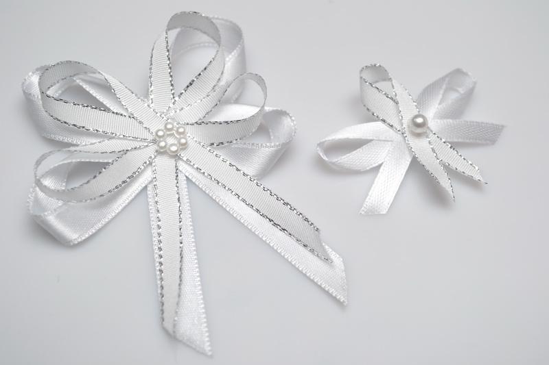 Svatební vývazek s perličkou - stříbrný