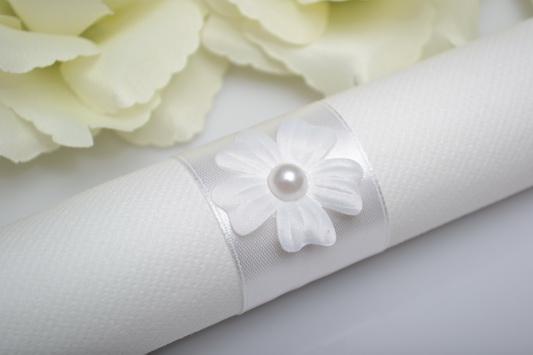 Kroužek na ubrousek květ - perla