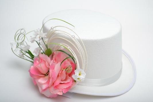 Bílý cylindr s pedigem - růžový