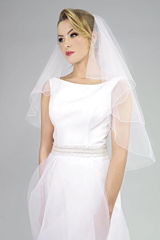 Svatební závoj overlock 181
