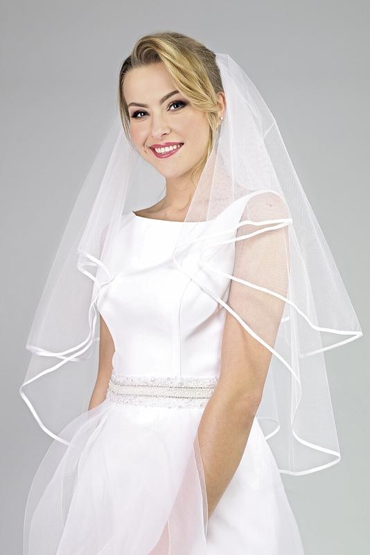 Svatební závoj s lemem 39