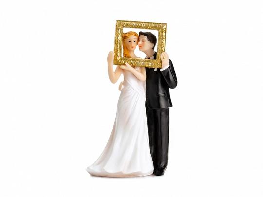 Svatební figurka novomanželé ve zlatém rámečku