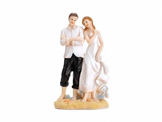 Svatební figurka novomanželé na pláži