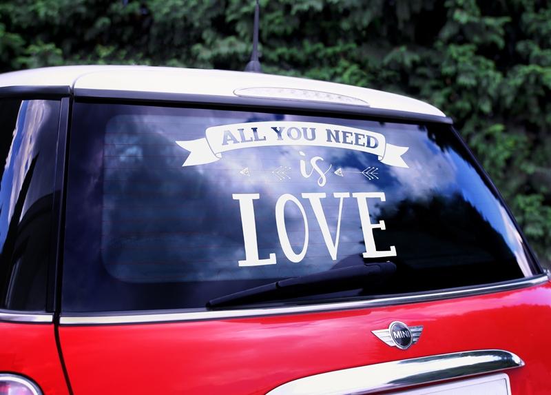 Nálepka na svatební auto