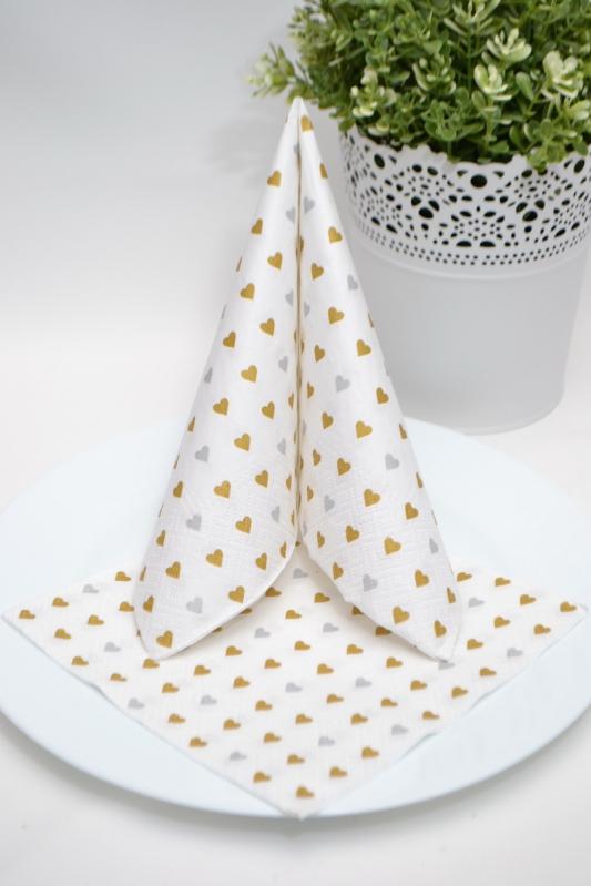 Třívrstvé papírové ubrousky - srdíčka zlaté/stříbrné