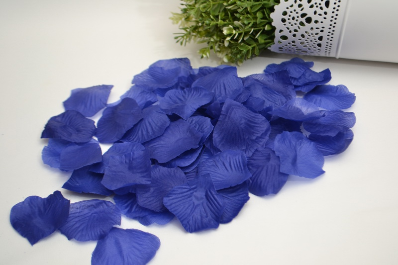 Okvětní plátky růží - modré