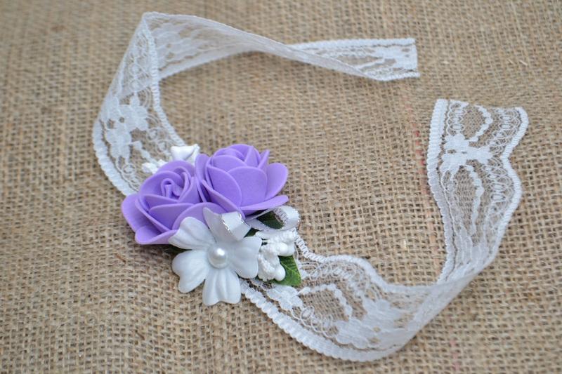 Květinový náramek s krajkou - fialový