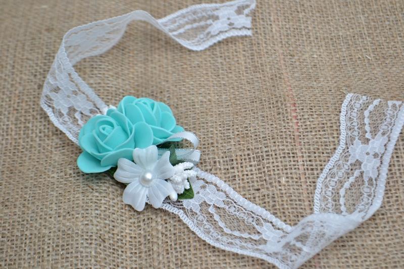 Květinový náramek s krajkou - azurový