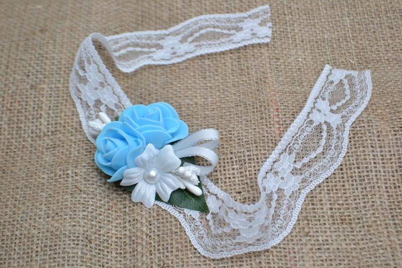 Květinový náramek s krajkou - světle modrý